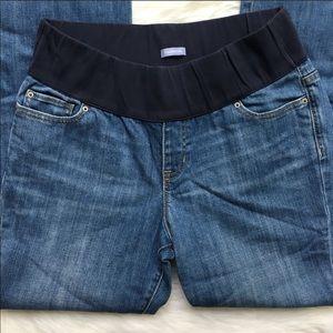 Maternity jeans 👖